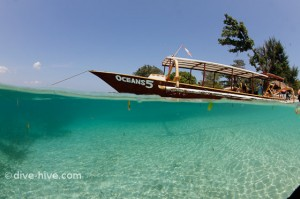 Oceans 5 - dive boat